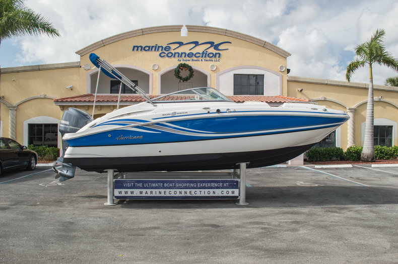 Used 2013 Hurricane SunDeck SD 2200 OB boat for sale in West Palm Beach, FL