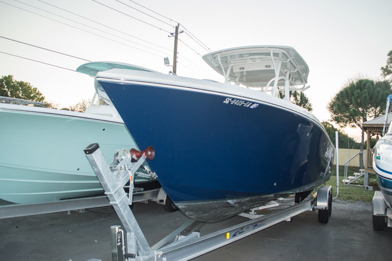 Used 2013 Sailfish 270 CC Center Console boat for sale in West Palm Beach, FL
