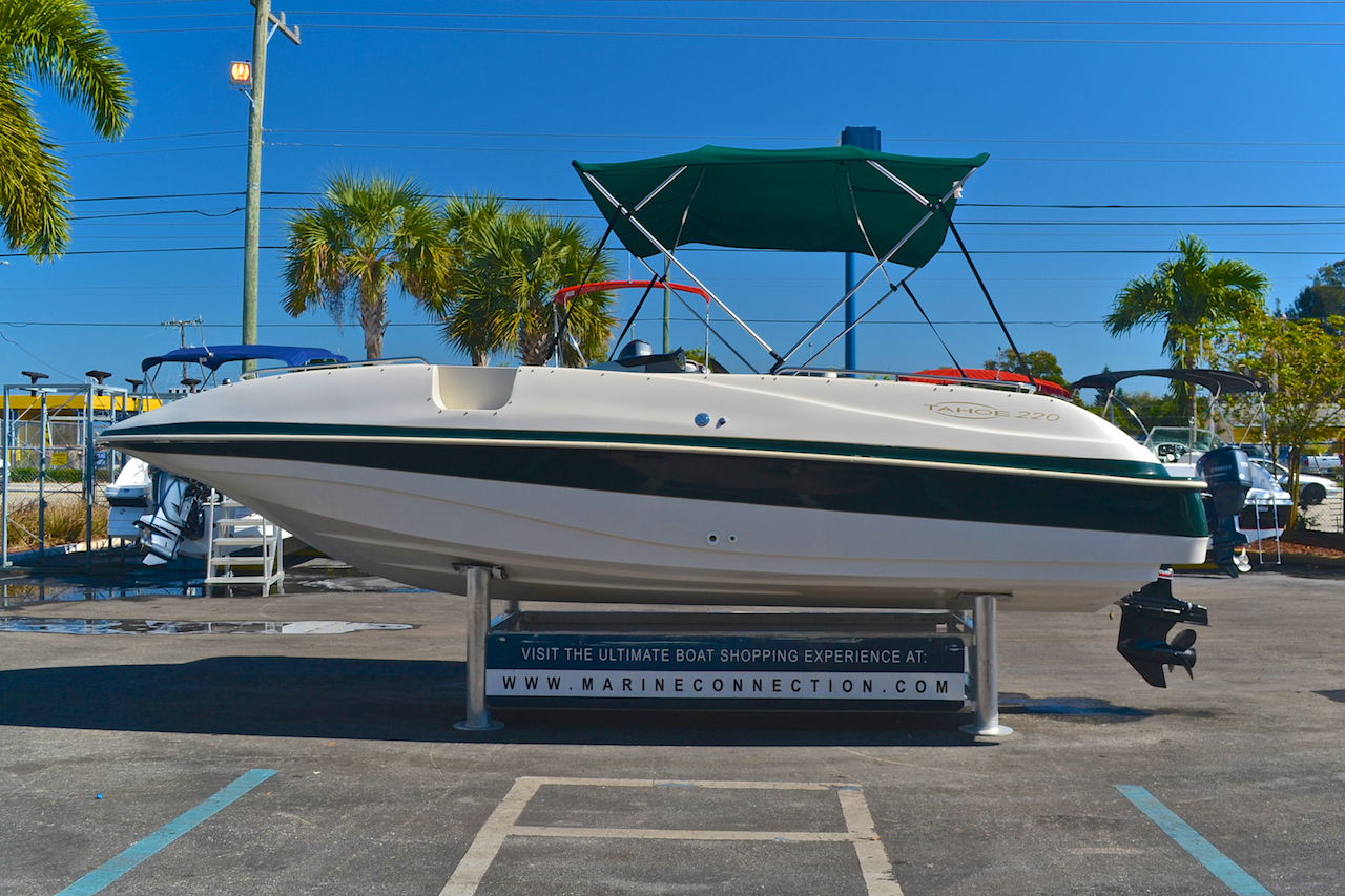 Used Tahoe Deck Boat Photos