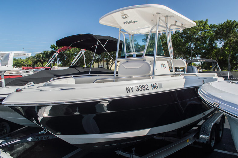 Used 2008 Robalo 2200 Center Console boat for sale in West Palm Beach, FL