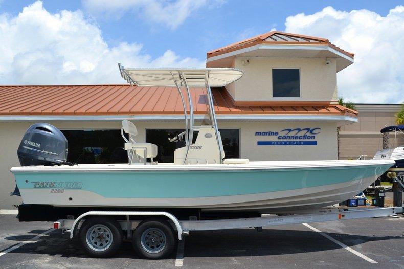 New 2015 Pathfinder 2200 TRS Bay Boat boat for sale in Vero Beach, FL