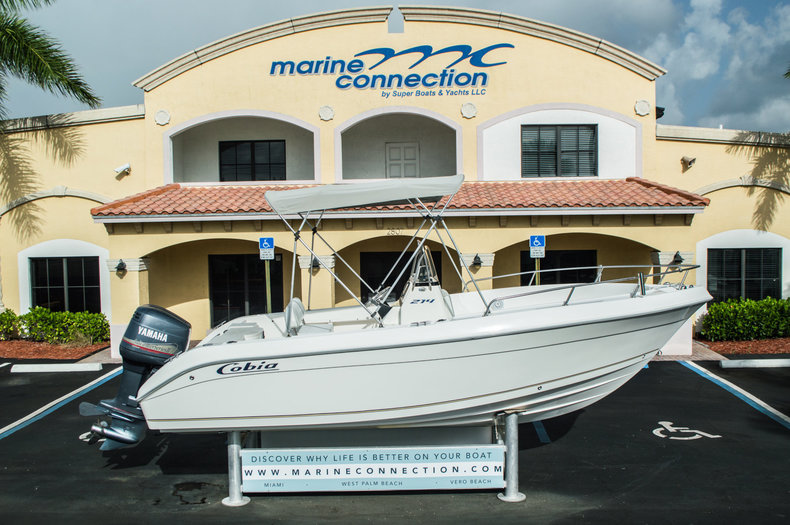 Used 2004 Cobia 214 Center Console boat for sale in West Palm Beach, FL