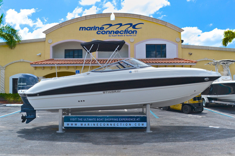 Sold stingray boats in west palm beach vero beach fl for Bowrider boats with outboard motors