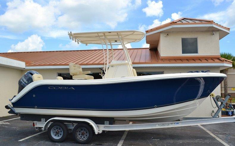 New 2015 Cobia 217 Center Console boat for sale in Miami, FL