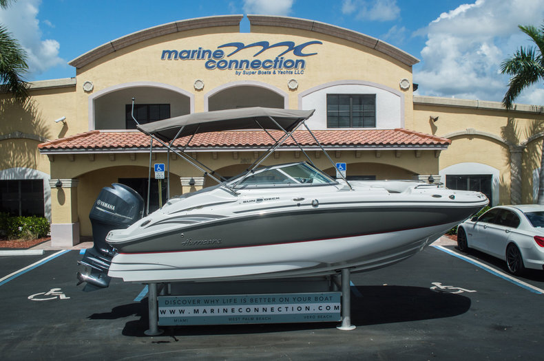 Used 2013 Hurricane SunDeck SD 2000 OB boat for sale in Vero Beach, FL