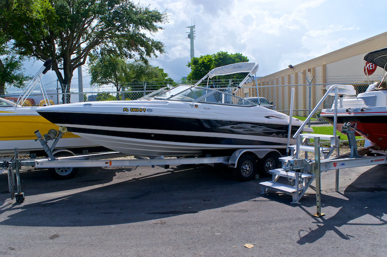 Used 2008 Mariah SX21 Bowrider boat for sale in Miami, FL