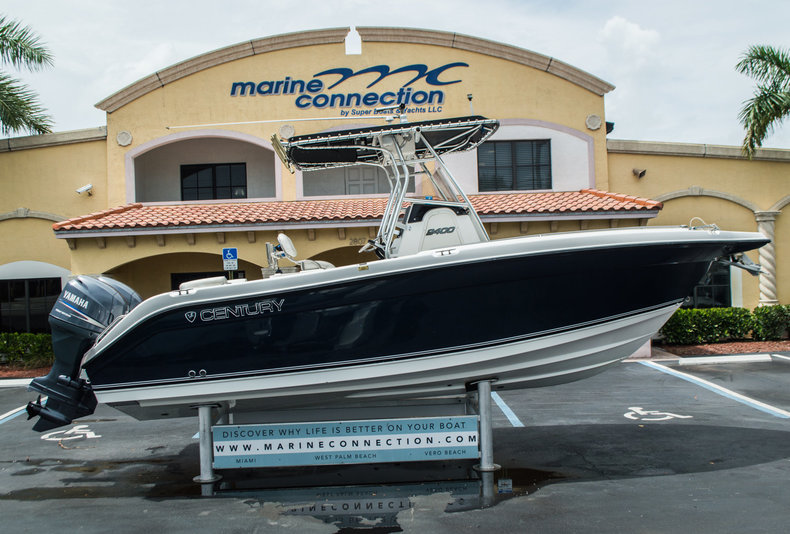 Used 2006 Century 2400 Center Console boat for sale in West Palm Beach, FL