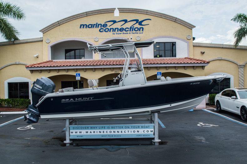 Used 2012 Sea Hunt 211 Ultra boat for sale in West Palm Beach, FL