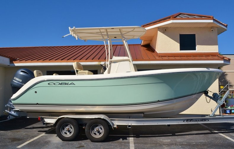 New 2016 Cobia 217 Center Console boat for sale in Vero Beach, FL