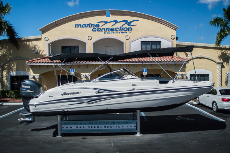 Used 2006 Hurricane SunDeck SD 237 OB boat for sale in West Palm Beach, FL
