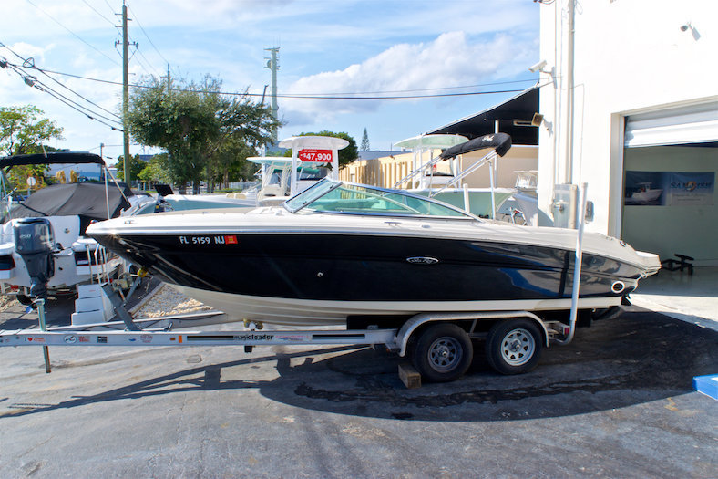 Used 2006 Sea Ray 220 Select boat for sale in Miami, FL