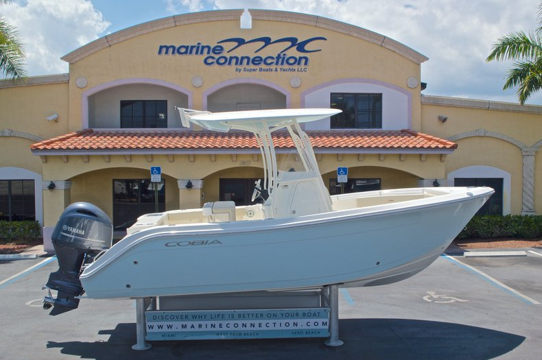New 2017 Cobia 220 Center Console boat for sale in Miami, FL