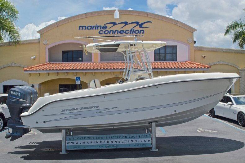 Used 2008 Hydra-Sports 2500 Vector Center Console boat for sale in West Palm Beach, FL