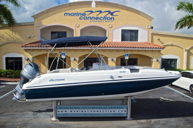 New 2017 Hurricane SunDeck Sport SS 211 OB boat for sale in Vero Beach, FL