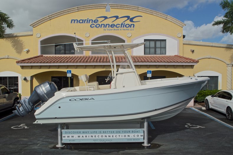 Used 2015 Cobia 201 Center Console boat for sale in West Palm Beach, FL