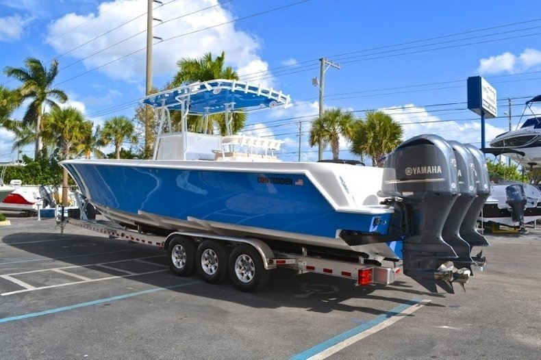 Image 7 for 2013 Contender 39 ST Step Hull in West Palm Beach, FL