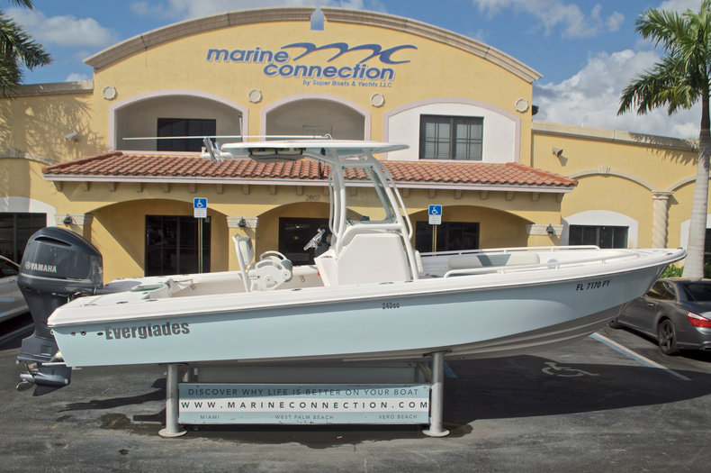 Used 2014 Everglades 243 Center Console boat for sale in West Palm Beach, FL