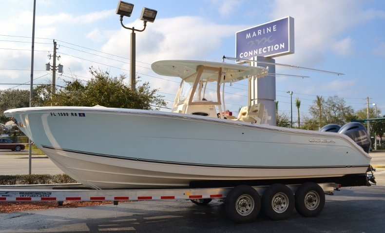 Used 2016 Cobia 277 Center Console boat for sale in Vero Beach, FL