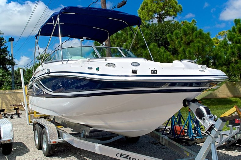New 2014 Hurricane SunDeck SD 2000 OB boat for sale in West Palm Beach, FL