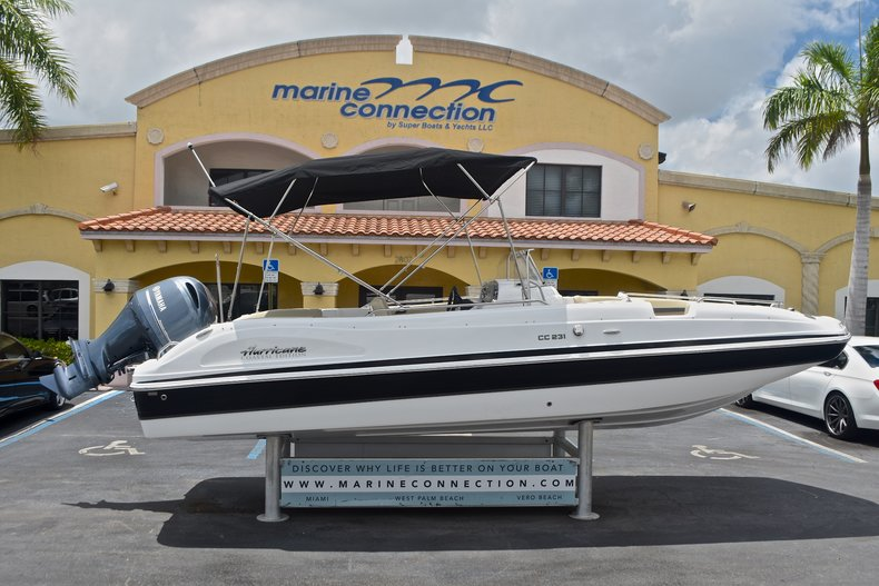 New 2017 Hurricane Sundeck Sport SS 231 OB boat for sale in Vero Beach, FL