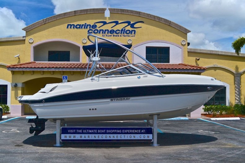 New 2013 Stingray 215 LR Bowrider boat for sale in West Palm Beach, FL