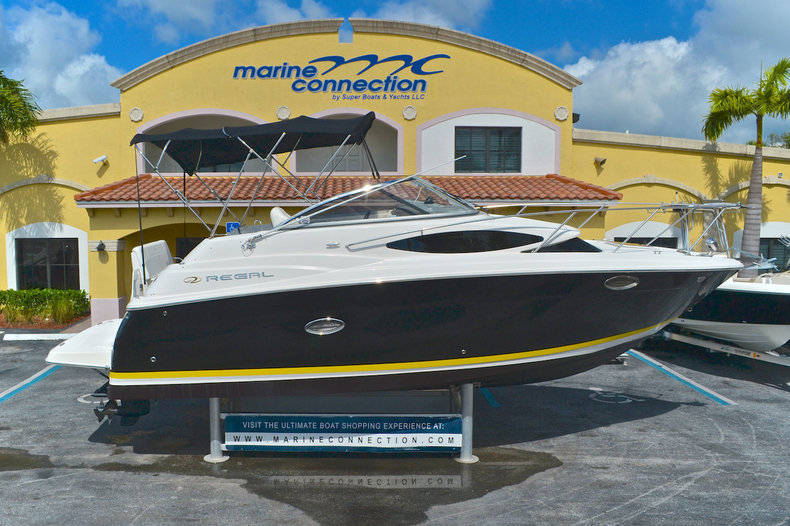 Used 2008 Regal 2565 Window Express boat for sale in West Palm Beach, FL