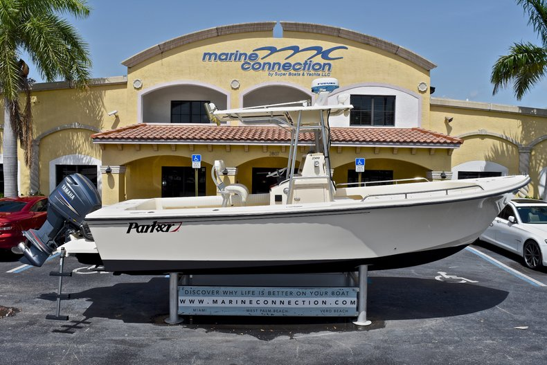 Used 2004 PARKER 2300 CC Center Console boat for sale in West Palm Beach, FL