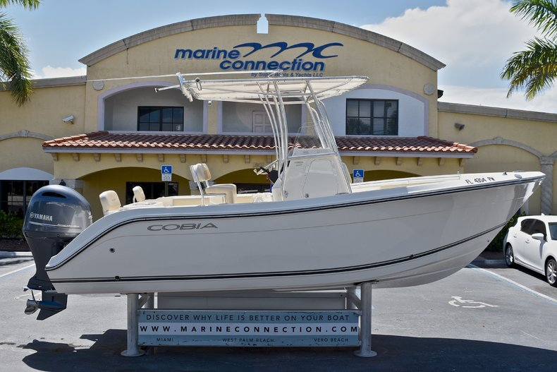 Used 2015 Cobia 217 Center Console boat for sale in West Palm Beach, FL