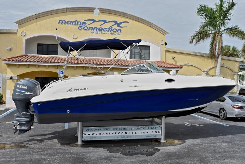 Used 2009 Hurricane SD 260 SunDeck boat for sale in West Palm Beach, FL