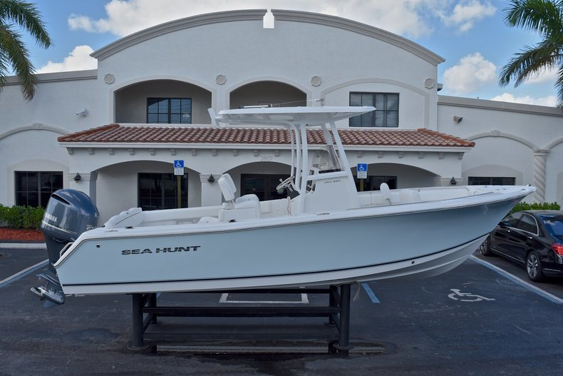 Used 2015 Sea Hunt 234 Ultra boat for sale in West Palm Beach, FL