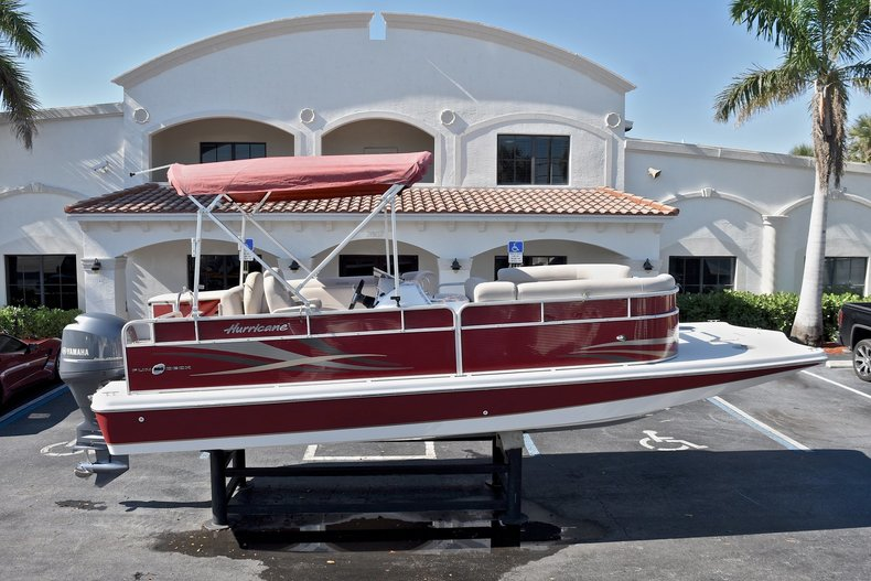 Used 2015 Hurricane FunDeck FD 236 OB boat for sale in West Palm Beach, FL