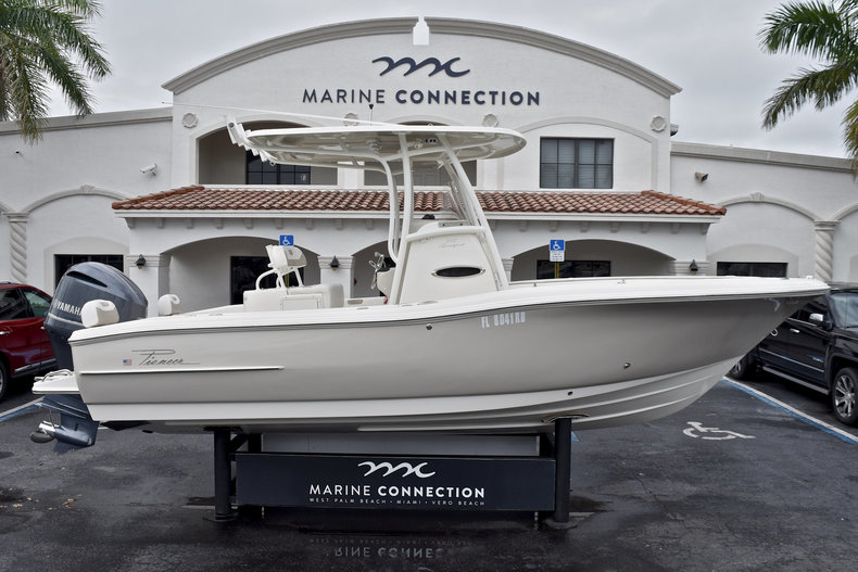 Used 2015 Pioneer 222 Sportfish boat for sale in West Palm Beach, FL