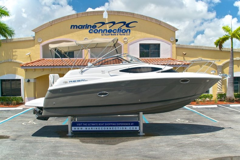 Used 2009 Regal 2565 Window Express boat for sale in West Palm Beach, FL