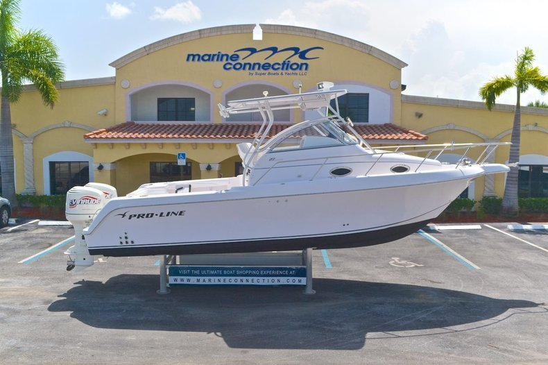 Used 2000 Pro-Line 27 Walk boat for sale in West Palm Beach, FL