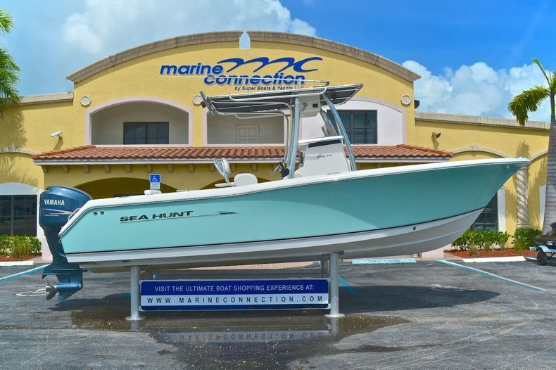 Used 2008 Sea Hunt Triton 240 Center Console boat for sale in West Palm Beach, FL