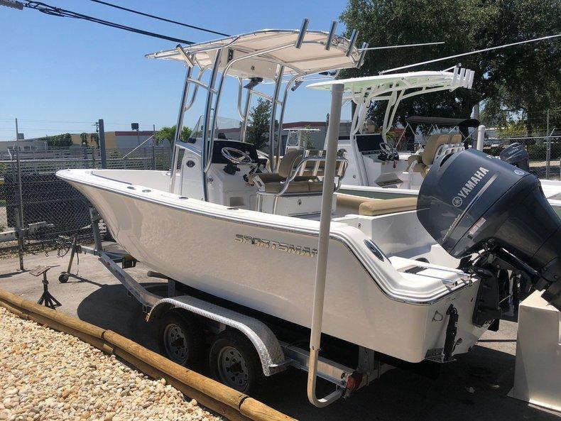 Used 2015 Sportsman Open 212 Center Console boat for sale in Miami, FL