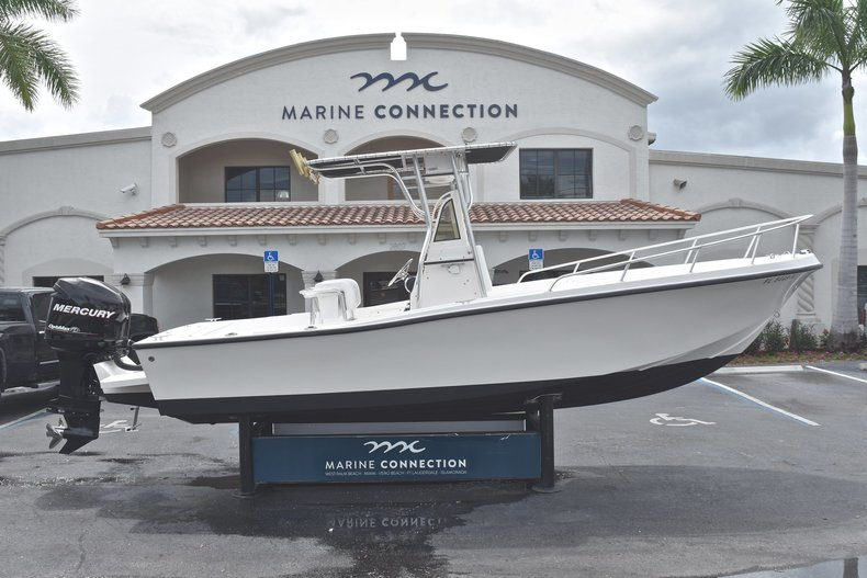 Used 1998 Mako 232 Center Console boat for sale in West Palm Beach, FL