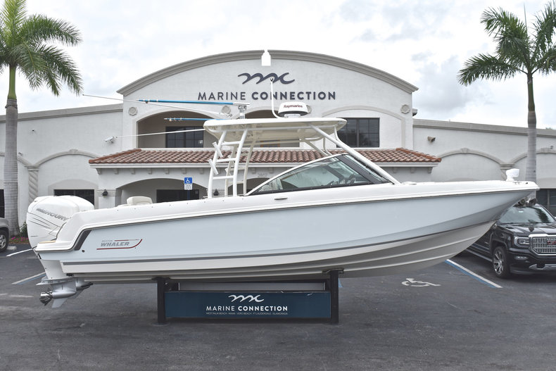 Used 2017 Boston Whaler 270 Vantage boat for sale in West Palm Beach, FL