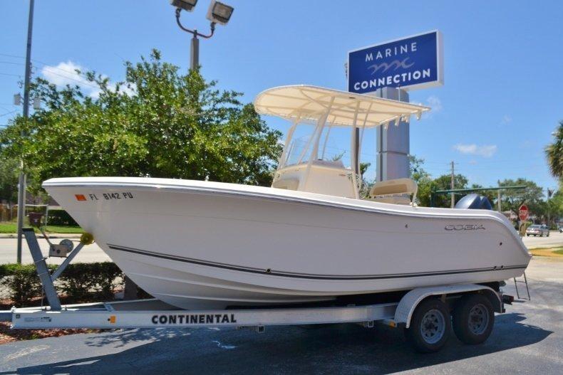 Used 2015 Cobia 217 Center Console boat for sale in Vero Beach, FL