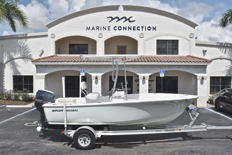 Used 2016 Sportsman 17 Island Reef boat for sale in West Palm Beach, FL