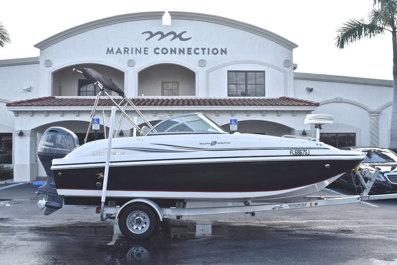 Used 2015 Hurricane SunDeck SD 187 OB boat for sale in West Palm Beach, FL