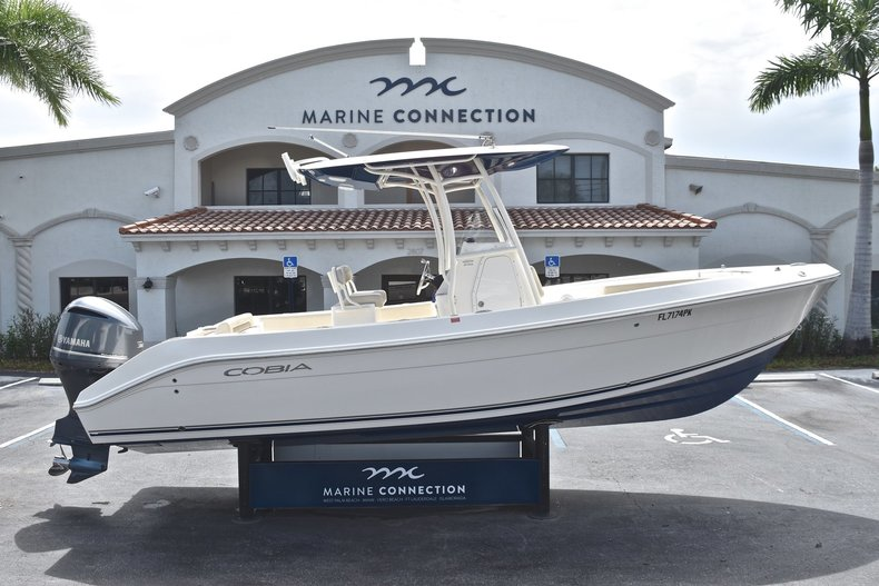 Used 2013 Cobia 256 Center Console boat for sale in West Palm Beach, FL