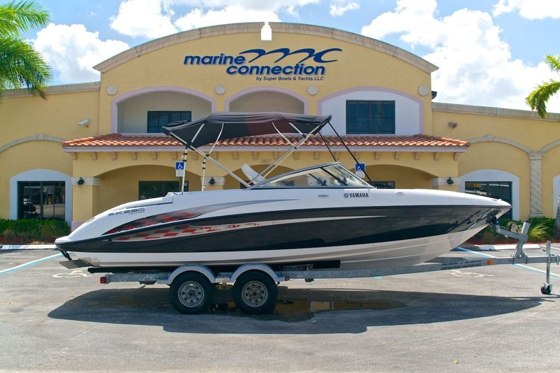Used 2005 Yamaha SX 230 Twin Engine boat for sale in West Palm Beach, FL