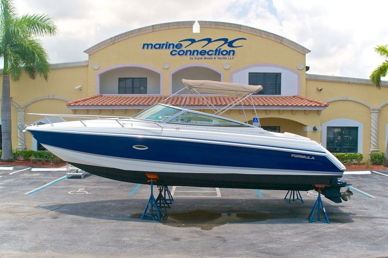Used 2003 Formula 280 Sun Sport boat for sale in West Palm Beach, FL