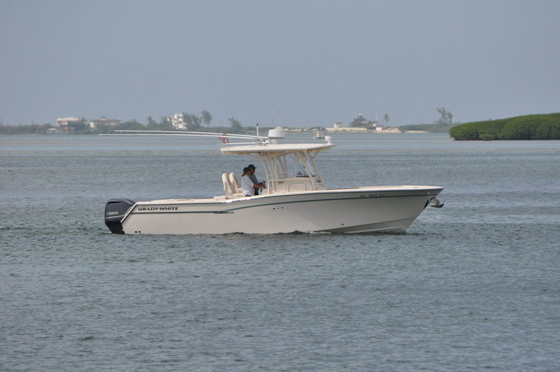 Used 2016 Grady-White Canyon 306 Center Console boat for sale in West Palm Beach, FL