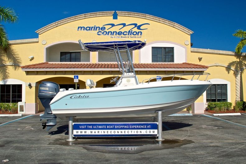 Used 2004 Cobia 194 Center Console boat for sale in West Palm Beach, FL