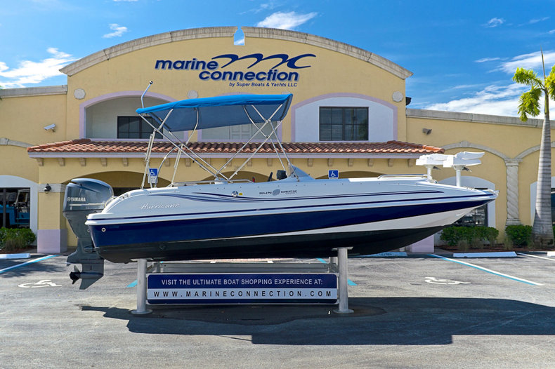 Used 2012 Hurricane SunDeck Sport SS 201 OB boat for sale in West Palm Beach, FL