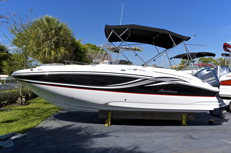 New 2014 Hurricane SunDeck Sport SS 220 OB boat for sale in West Palm Beach, FL
