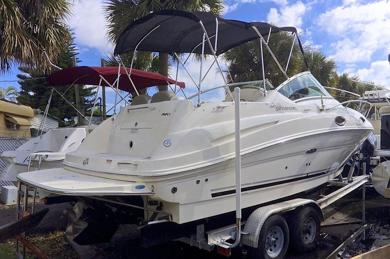 Used 2007 Sea Ray 240 SunDancer boat for sale in West Palm Beach, FL