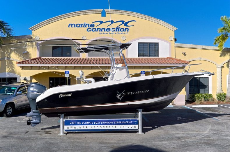 Used 2007 Seaswirl 2101 Striper Center Console boat for sale in West Palm Beach, FL